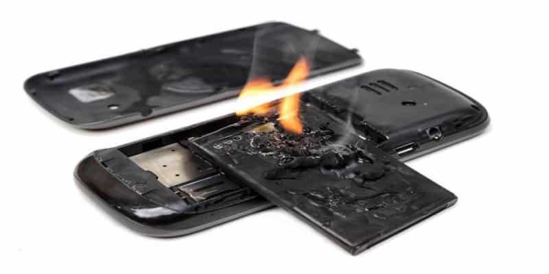 8 گام برای تشخیص باتری اصلی موبایل از تقلبی