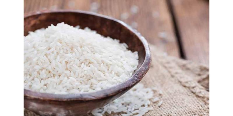 استفاده از برنج برای خشک کردن گوشی موبایل خیس شده موثر نیست!